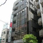 府中駅から2分!人通りの多い通り沿い!